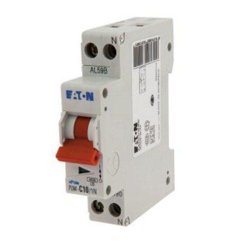 Protezione per circuiti elettrici